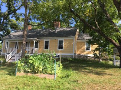 1731 Historic Farm House In Prime Location - Providence, RI Vacation Rental