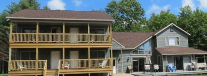 10 BR, Hot Tub, Snowmobiling/Skiing, Water View Lake George Area Of The Andirondacks