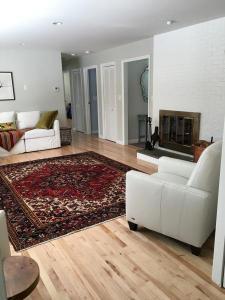 3Bedroom, Newly Renovated Contempoary, Near Stockbridge, MA