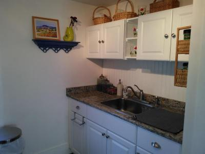 Beautiful Downtown Mystic 1 Bd Apartment! - Mystic, CT Vacation Rental