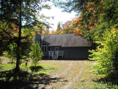Charming Home Nestled In The Berkshires, Vacation Home Rental Becket, MA