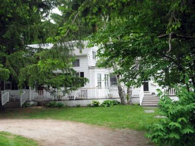 Comfortable Farmhouse In The Berkshires, Vacation Home Rental In West Stockbridge, MA