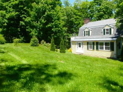Enchanted Cottage On Babbling Brook, Vacation Home Rental In Tyringham, MA