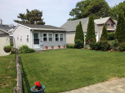 Ennis Cottage With Private Beach On Branford Shore - Branford, CT Vacation Rental