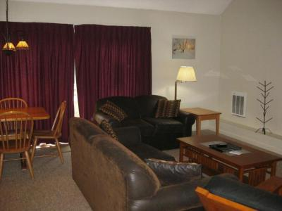 Jiminy Peak Ski Resort-Country Village's Best Unit, Vacation Rental In The Berkshires