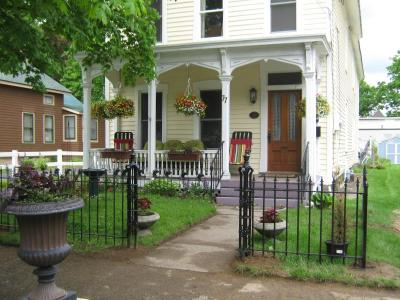 Lg. House 3 BR Porches Walk To Track & Downtown Saratoga Springs, NY - Capital Region