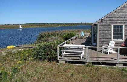 Nantucket Waterfront Cottage - Nantucket Island - Nantucket, MA