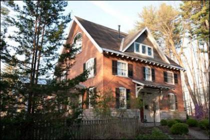 Red Brick Carriage House Saratoga Springs, NY Capital Region New York