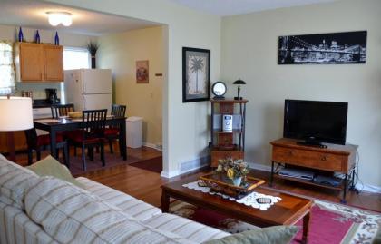 Saratoga Springs Home Close To All Saratoga Offers - Saratoga Springs, NY Capital Region