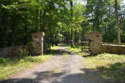 Surrounded By Nature - Guilford, CT Vacation Home Rentals