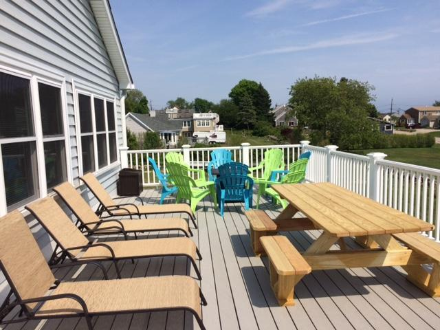 Pleasant Summer Vacation Rental Narragansett Ri South County Rhode Home Interior And Landscaping Ferensignezvosmurscom