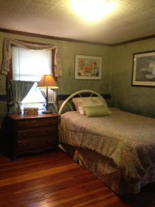 Berkshire House Share-The Blue Room - Lee, MA - The Berkshires