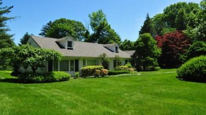 Elegant Home On An Acre Of Rolling Lawns - Greenwich, CT - Fairfield County