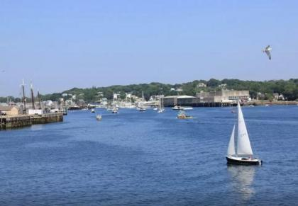 Gloucester Harborscape View 1-2BR - Gloucester, MA - North Shore