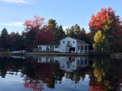 Spacious Sunny Lakefront With Private Sandy Beach For Family Fun - Ashburnham, MA - Central MA