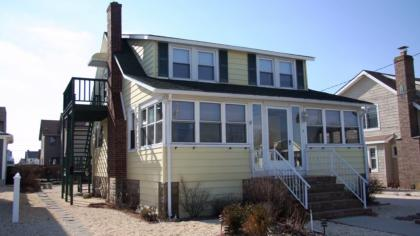 12 New York Avenue, Up - Lavallette, NJ - Shore Region NJ Vacation Rental - Listing #6738
