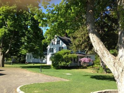 Enjoy A Unique Experience At This Beautiful Historic New England Large Property - Old Saybrook, CT -