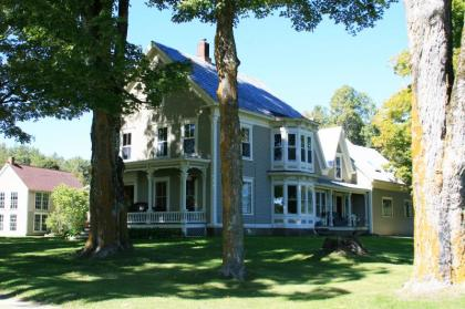 25 Acre Mountain Playground, 2 Bedroom, Great Ski Access, Close to Okemo, VAST Trails - Ludlow, VT -