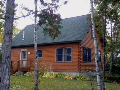 Birch Overlook - A Private Waterfront Log Cabin - Greenville, ME - Kennebec & Moose River Valley ME