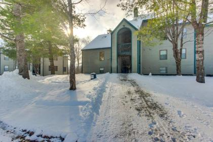Ski-In/Ski-Out Condo w/Shared Pool & Seasonal Hot Tubs - Golf & Tennis Nearby! - Ludlow, VT - Southe