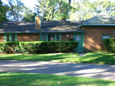 The Cottage - One Level! - Barrington, RI - East Bay RI Vacation Rental