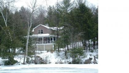 Comfortable Cabin On Pond Near Ski Areas Sunapee And Ragged, Golf 5 Minutes Away - Wilmot, NH - Merr