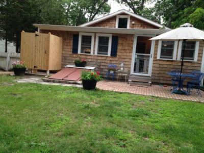 Renovated Beach Cottage - Less Than 10 Minute Drive To 10 Wineries - Cutchogue, NY - Long Island NY