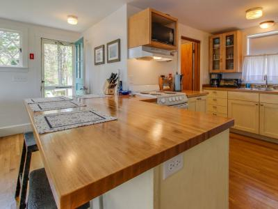 Charming, Dog-Friendly Home Near Beaches, Wineries And Marina! - Vineyard Haven, MA - Cape Cod - Mar