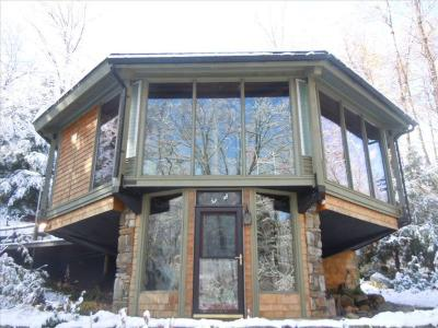 Imaginative, Secluded Berkshires Tree House Near Tanglewood, Great Barrington - Otis, MA - Berkshire