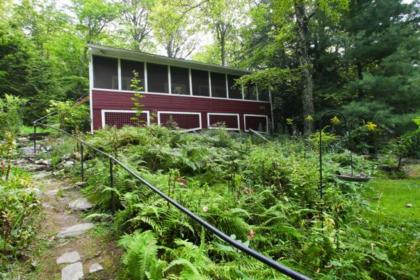 Quaint And Quiet Cottage With Lake Rights And Private Dock - Huntington, MA - Berkshires MA Vacation