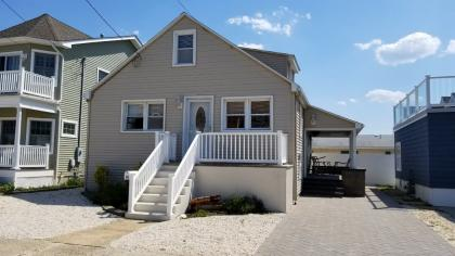 26 New Brunswick Avenue, Lavallette, NJ - Shore Region Vacation Rental - Listing #10393