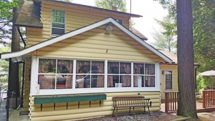 Beautiful Vacation Home On A Private Lake - Petersburg, NY Capital Region